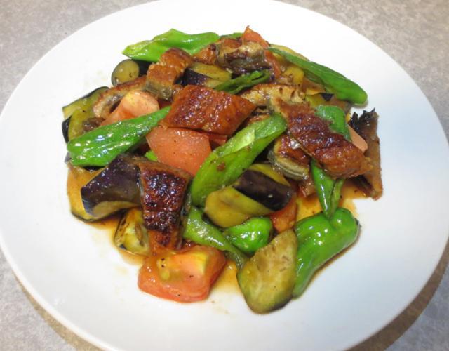 うなぎと夏野菜の炒めもの