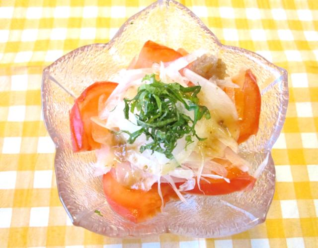 玉ねぎとトマトの梅ポン酢サラダ