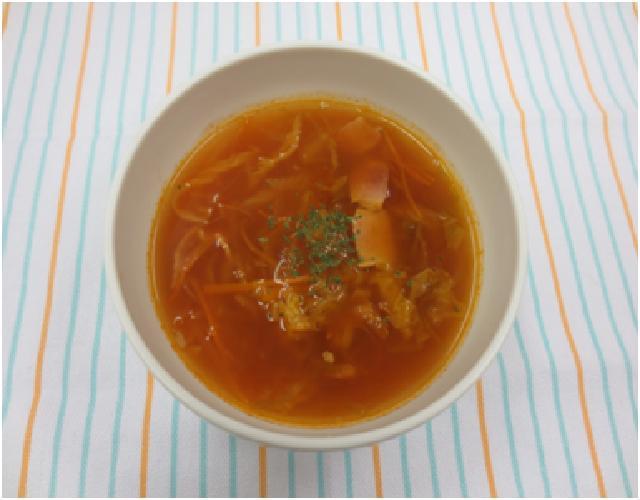 キャベツと白菜のトマトスープ