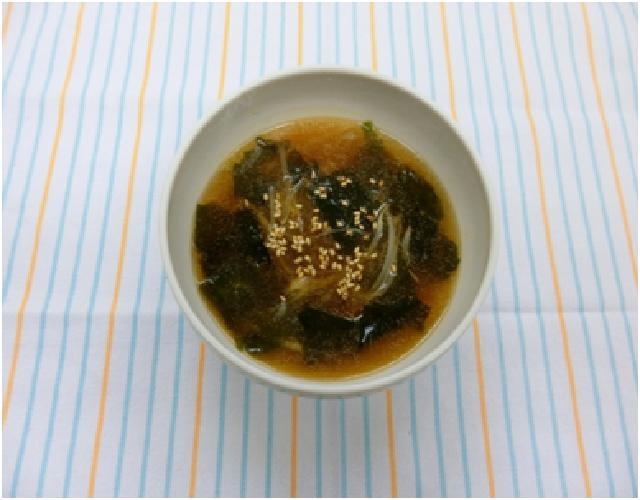 もやしとわかめの甘辛スープ