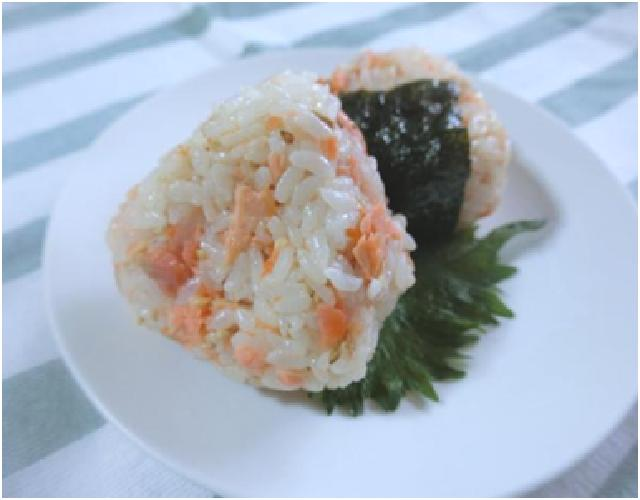 鮭マヨおにぎり