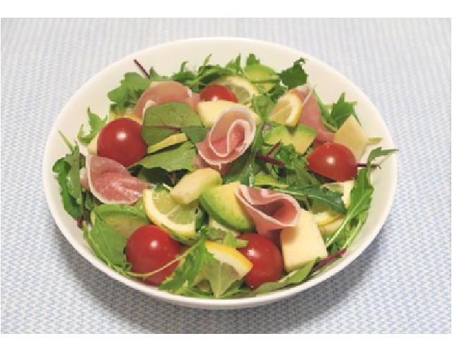 生ハムフルーツサラダ