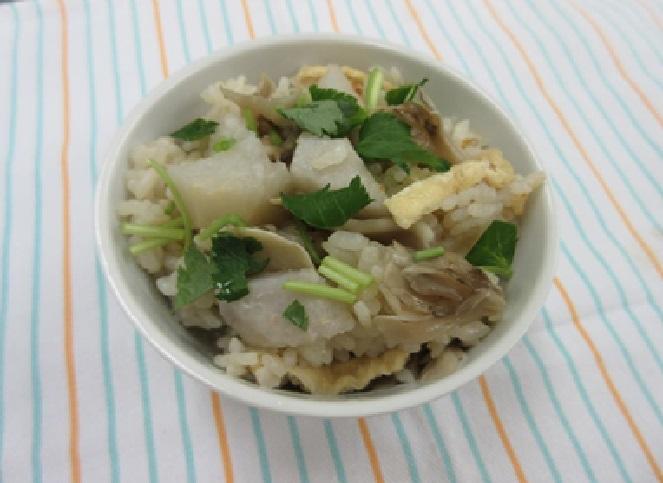 土小芋と舞茸の炊き込みごはん