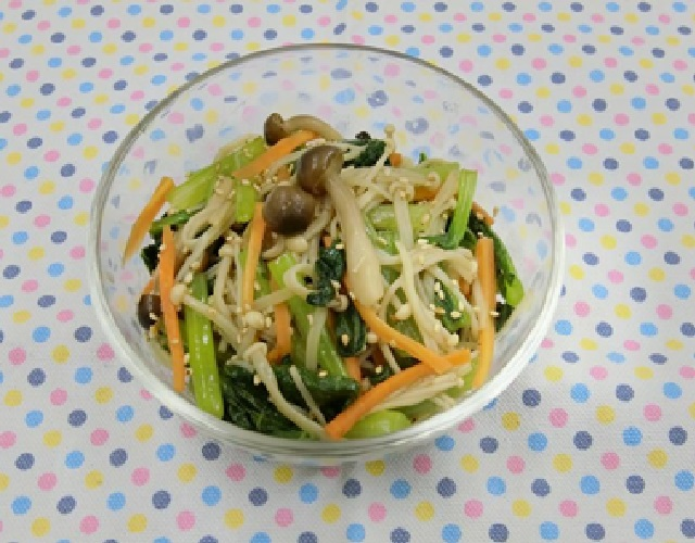 レンジできのこと小松菜のナムル