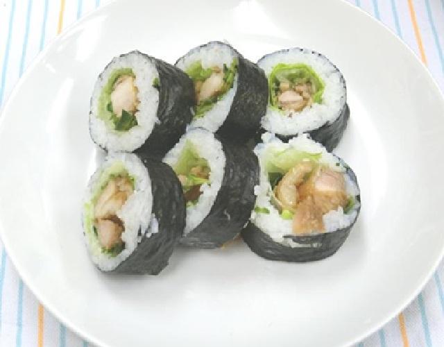 照り焼きチキンのサラダ巻寿司