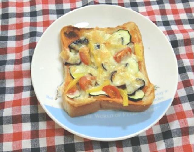 なすのピザトースト