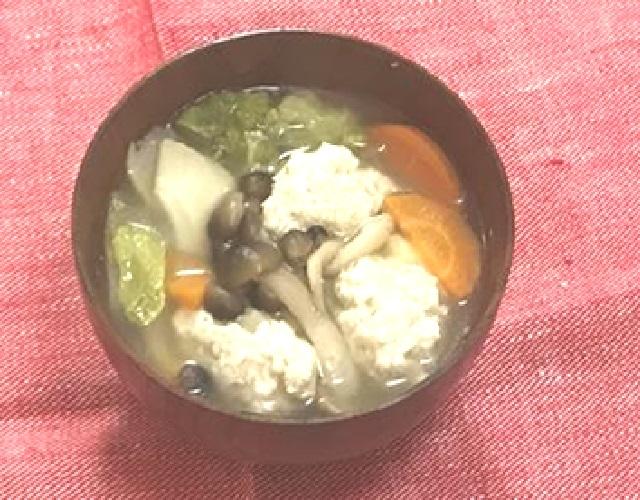 豆腐入り鶏団子の白だしスープ