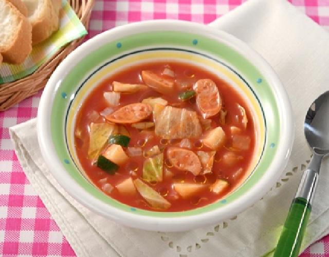 レンジで簡単!ウインナーと野菜のトマトスープ
