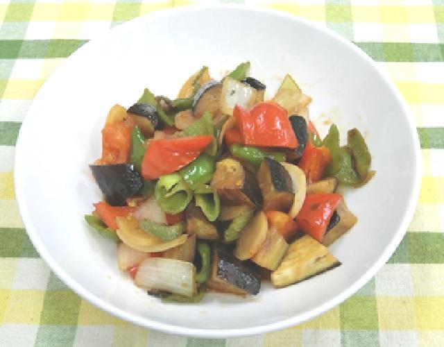 夏野菜の彩り炒め