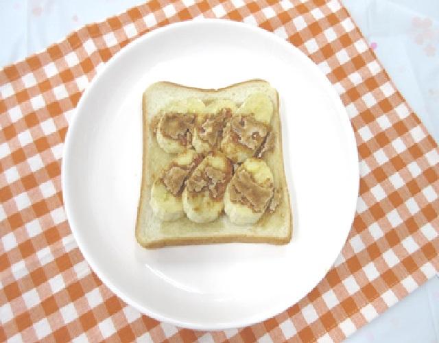 とろけるきなこのバナナトースト