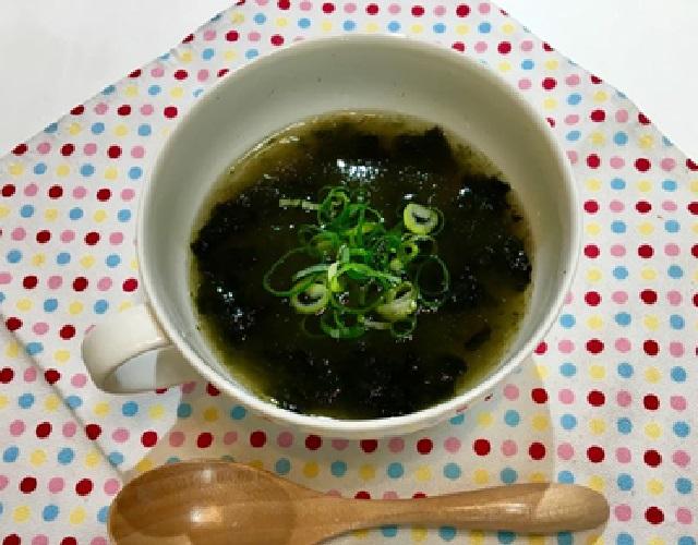 のりととろろ昆布のスープ